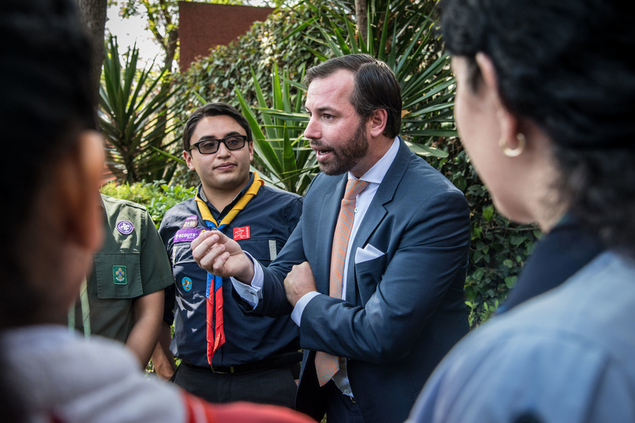 HRH Prince Guillaume of Luxembourg meet the stories of Scouts  participating at the WSF Investor Conference