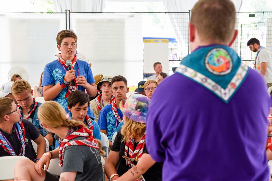 24th World Scout Jamboree, in Summit Bechtel Reserve, West-Virginia, USA - Atelier avec Graig TURPIE. Photo © Jean-Pierre POUTEAU 2019