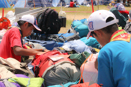 when finish the jamboree , scouts will go to own country. so, scout  have to pack own bag-packs.